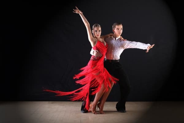 choosing salsa dance classes