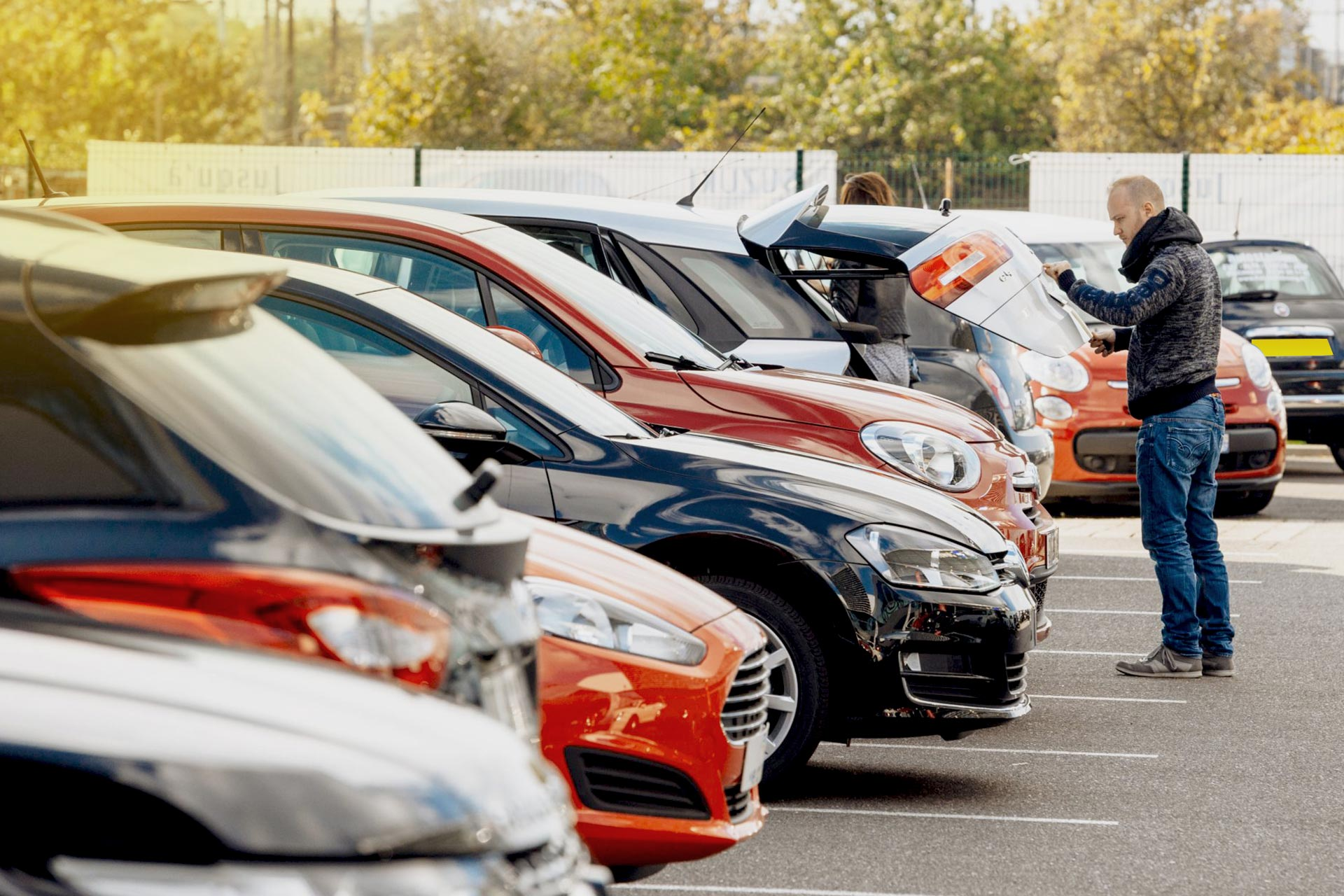 Explore the used cars from different brands to select the brands of your choice.